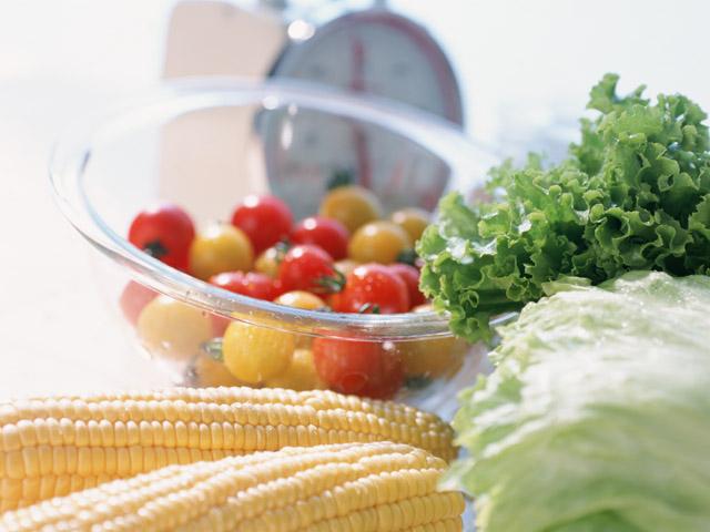 野菜・果実・加工食品(カット野菜など)を扱っています